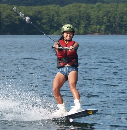 Teen-Summer-Camp-wakeboarding