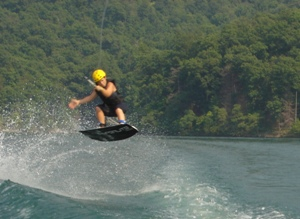 Wakeboarding-Summer-Camps-For-Teens