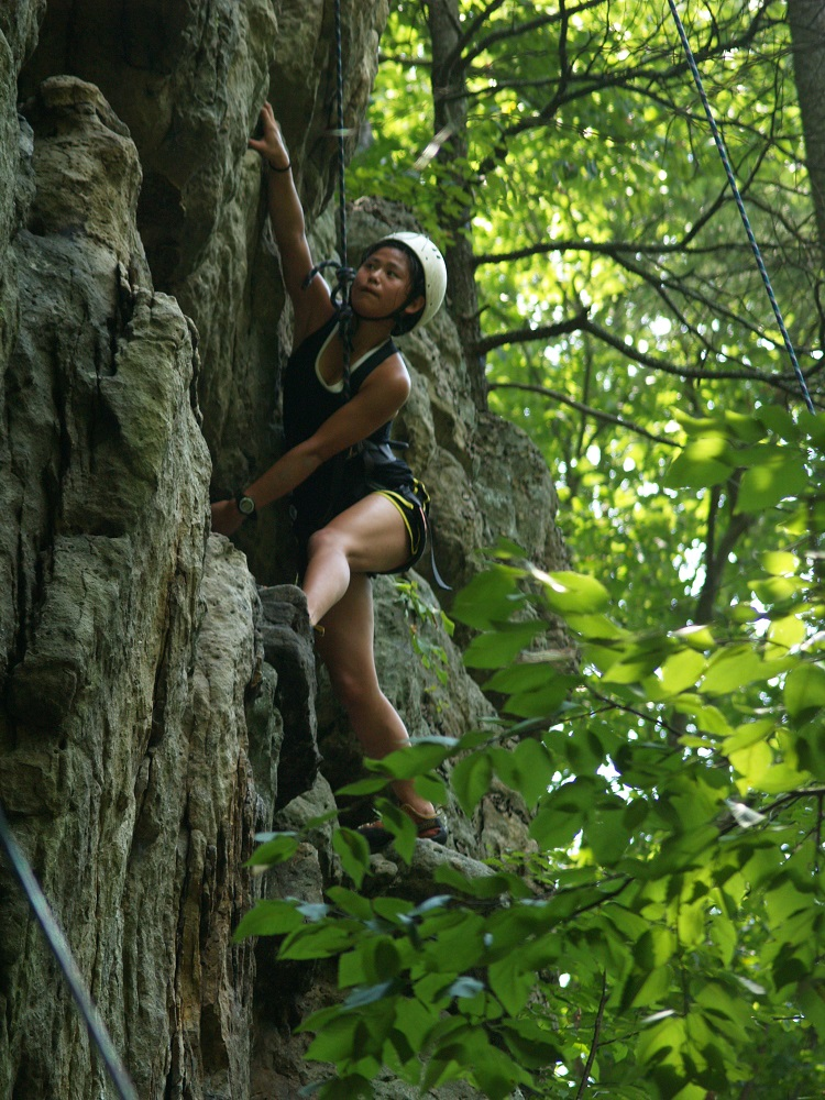 Rock-Climbing-Summer-Camps-for-teens-5