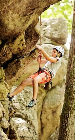 Rock-Climbing-summer-camps-for-teenagers.jpg