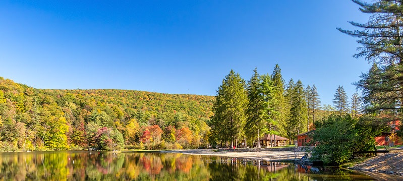 Summer-Camps-for-teens-lake