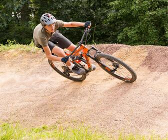 Teen-mountain-biking-summer-camp-2020