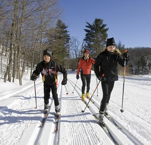 teen-camp-cross-country-skiing.jpg